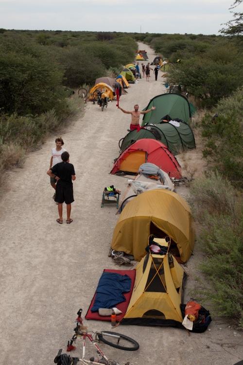 Busch-Camp in Botsuana -  nachts Elephantengetröte