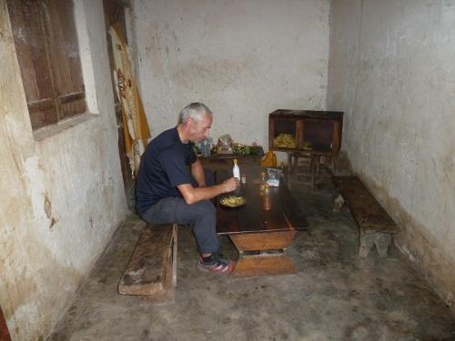 Horst inner Pommesbude in Tansania
