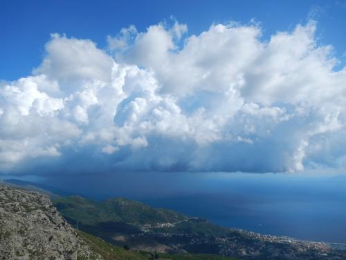 Gewitterfront über Bastia